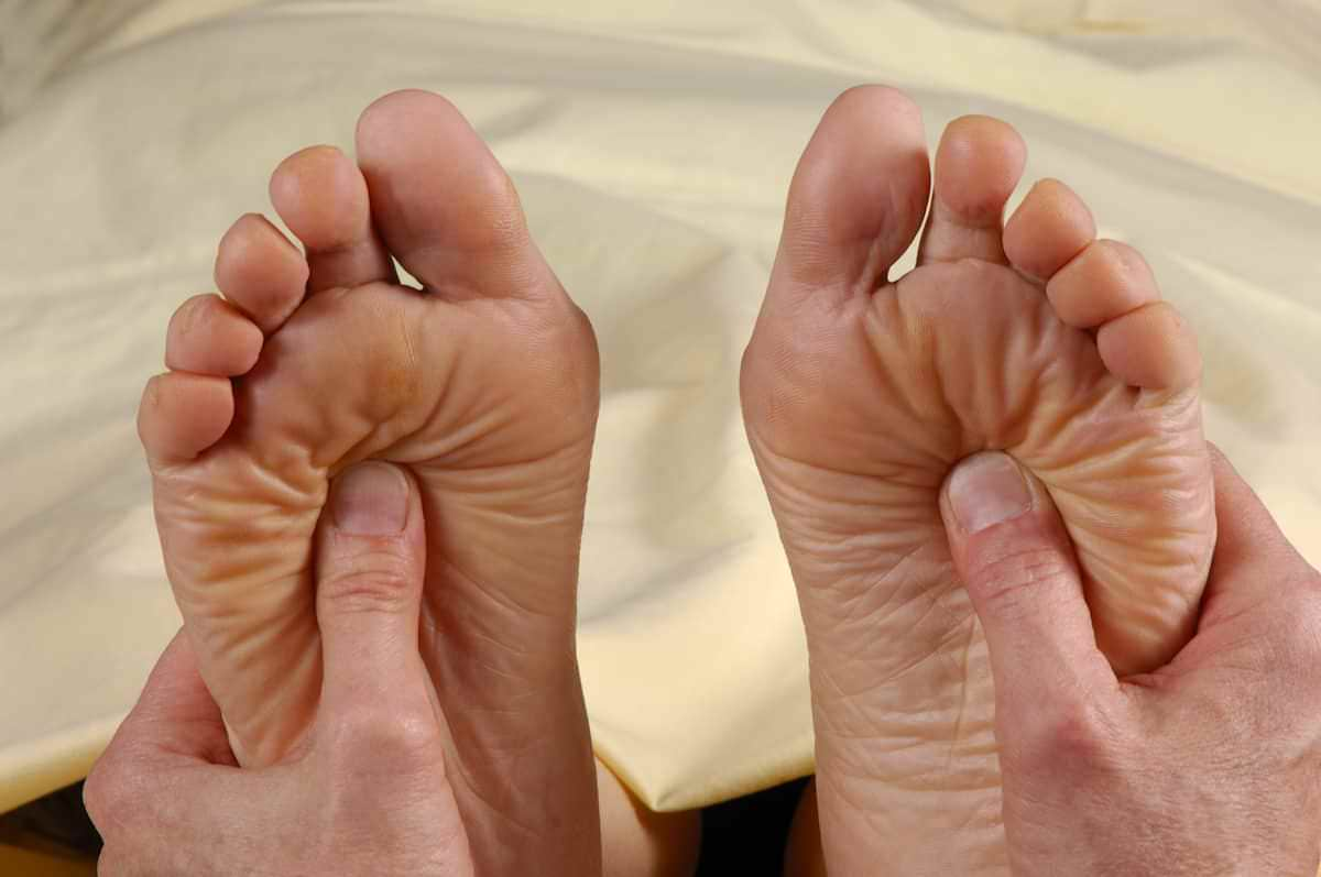 A como diabetes nas tratar ao dor devido pernas