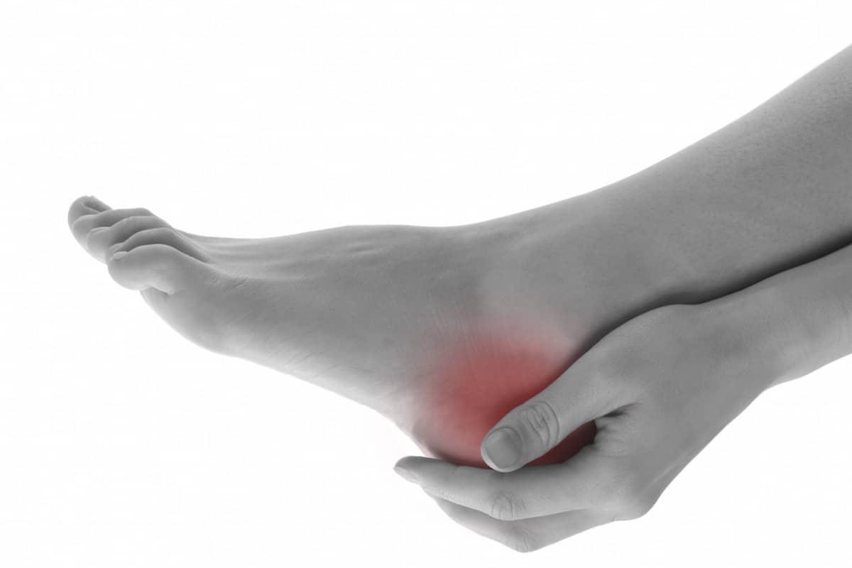 dor no joelho irradiando para panturrilha e tornozelo