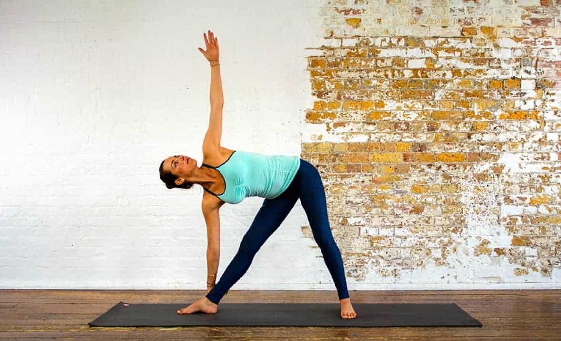 poses de yoga para lombalgia